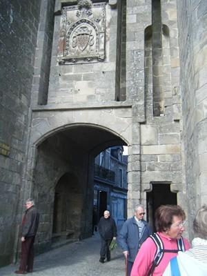 une des portes de cette cité médiévale