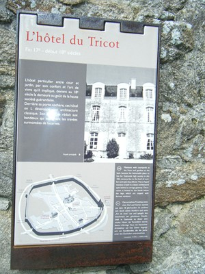 "l'Hôtel du Tricot: on ignore pourquoi ""tricot"" !!!"