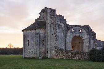 vue de l'Abbaye de Trizay