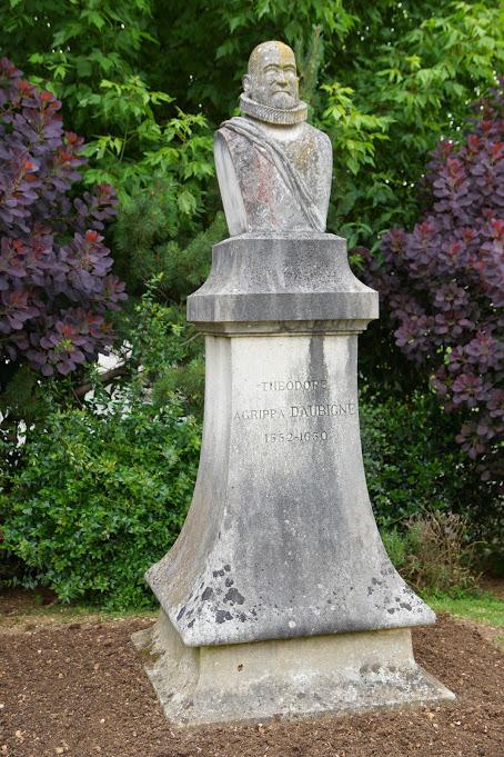 Agrippa d'Aubigné est né à Pons