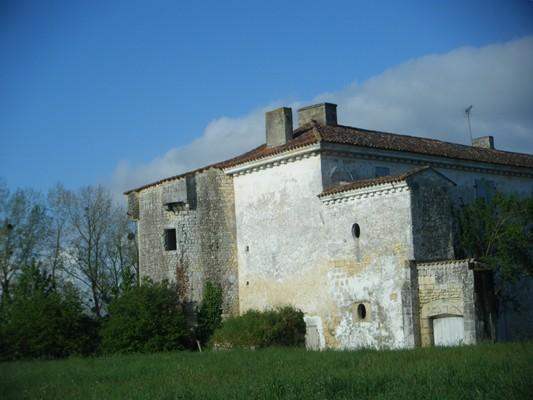 """le """"château"""" d'Agonnay..."""